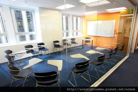 EC San Francisco-3寬敞明亮的教室