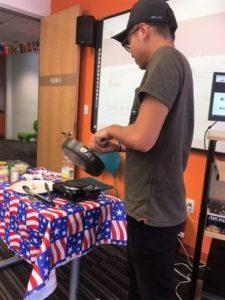美國遊學邁阿密Larry:當學生大使,分享台灣食物,開授國語教學課程[邁阿密語言學校EC]